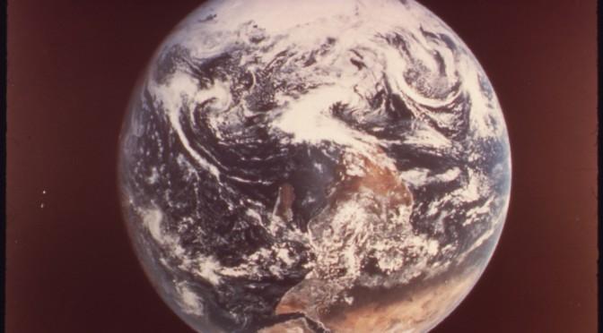 Le design du monde. De McLuhan à Sloterdijk, vers une anthropologie de l'espace en devenir